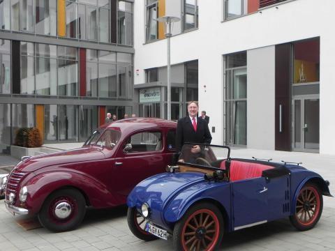 """Bernd Lange mit den Hanomags """"Kommissbrot"""" und """"Autobahn"""""""