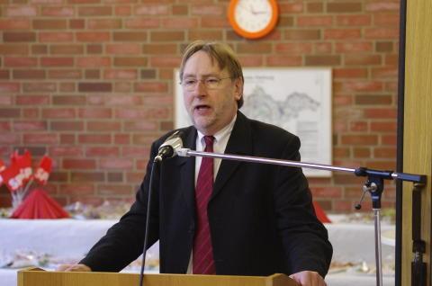 Bernd Lange bei seiner Rede auf dem Neujahrsempfang des SPD-Ortsvereins Seevetal