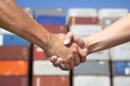 Handelsbild mit Handschlag