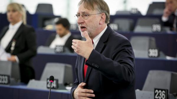 Bernd Lange redet im Plenum 2017
