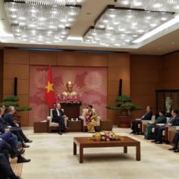 Bernd Lange im Gespräch mit der Vorsitzenden der vietnamesischen Nationalversammlung.
